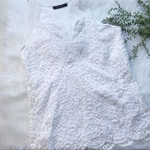 Romeo and Juliet Couture White Eyelet lace Top Sm